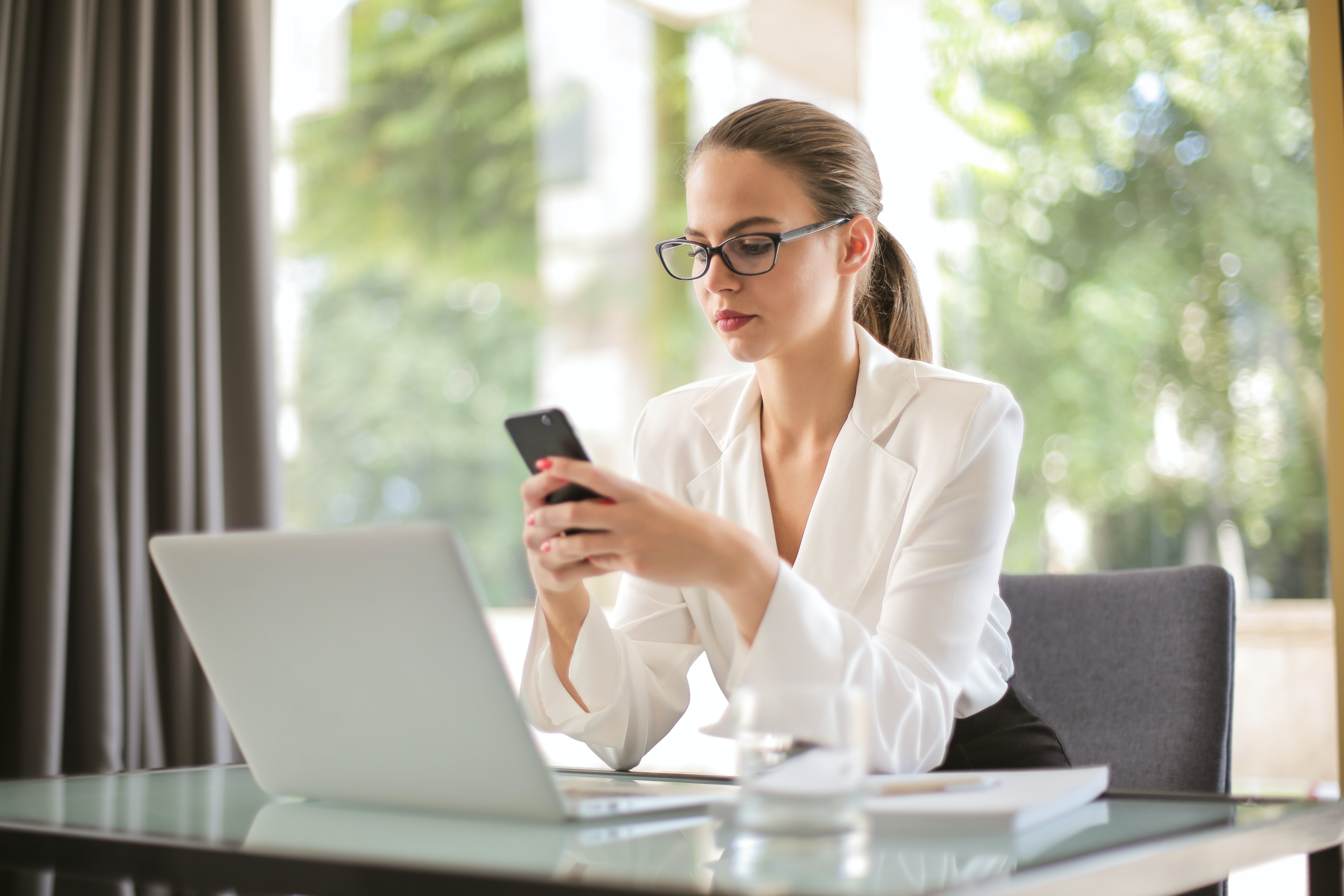 Which Is The Best Way To Remind Your Clients About Appointments: Text Message or Voice Calls?